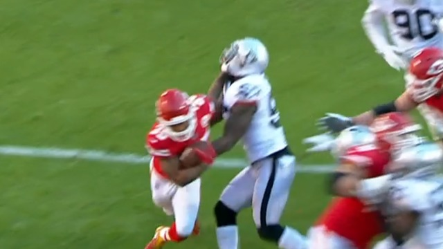 freeD: Charcandrick West fights off all raider defenders for a rugged 13-yard TD run | Week 14