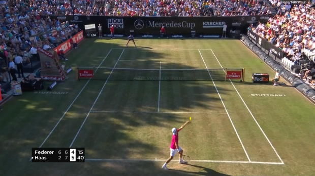: Stuttgart - Federer sorti par Haas !
