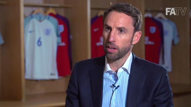 "England: Nationalcoach! Southgate ""sehr stolz"""