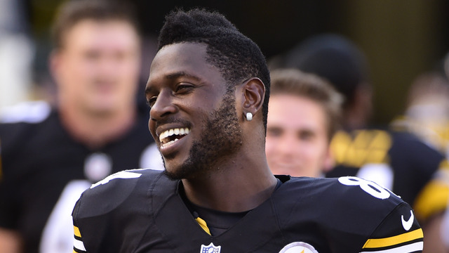 Antonio Brown restructures deal with Steelers