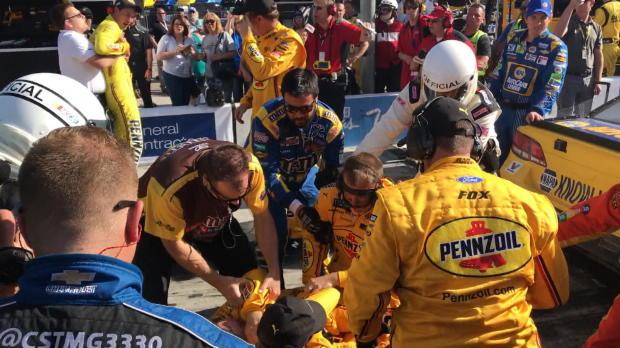 Nascar: Fahrer prügeln sich nach dem Rennen!