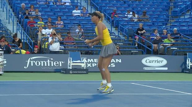 New Haven: Wozniacki und Safarova souverän