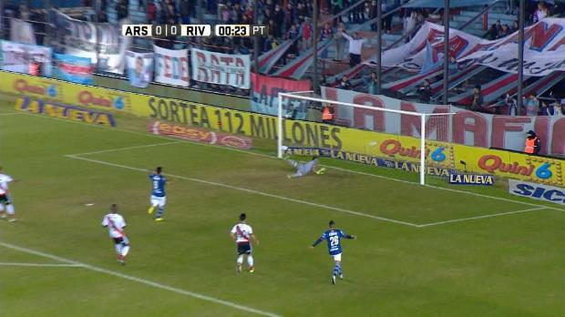 Argentina - Barbieri se la lia a River en 24 segundos