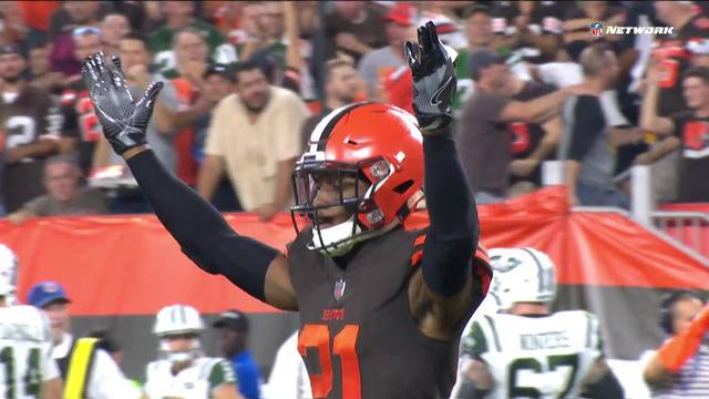 Can't Miss Play: Ward rips ball away from Anderson after catch