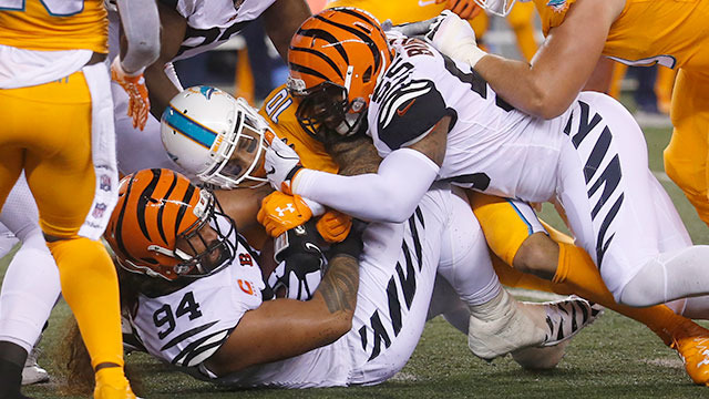 Bengals defense forces rough night for Tannehill