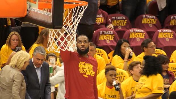Lakers - LeBron James s'engage pour 4 ans