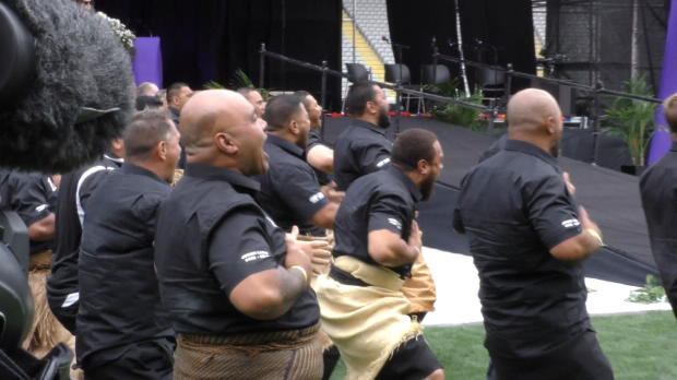 International - Haka �mouvant � la c�r�monie de Jonah Lomu