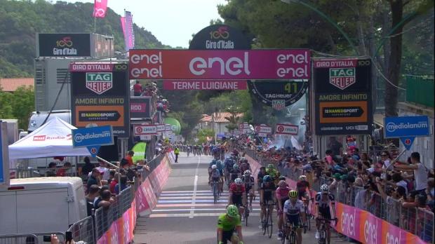 Giro de Italia - Dillier se lleva la sexta etapa; Jungels sigue de rosa