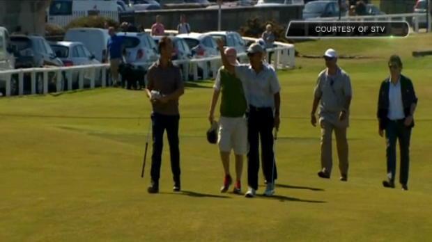 لقطة: غولف: باراك أوباما يلعب  الغولف في سان اندروز
