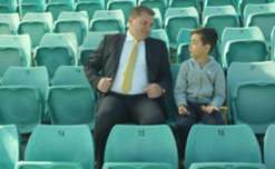 Yoshi was given the chance to meet Caltex Socceroos boss Ange Postecoglou for the first time.