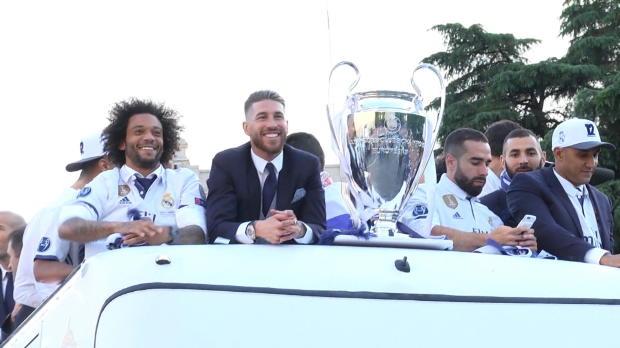Eine königlich-weiße-Bustour durch Madrid