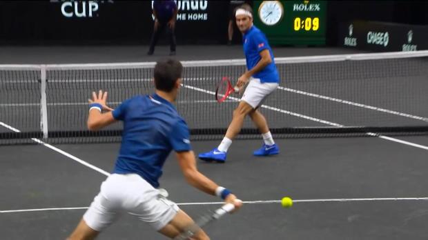 Basket : Laver Cup - Djokovic allume son partenaire Federer au filet
