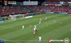 Western Sydney Wanderers recruit Nick Kalmar netted a goal on debut to break the side's goal-scoring drought.