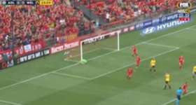 Henrique netted two goals of the highest quality to help Adelaide United claim their first win of the season against Wellington Phoenix.