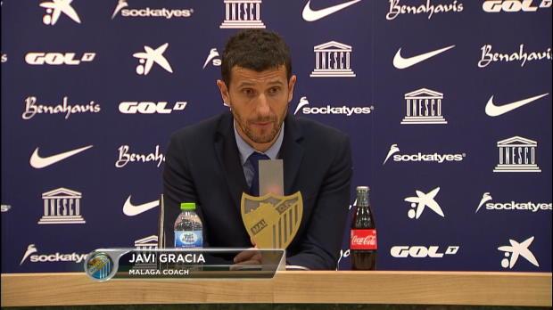 Javi Gracia reclama al árbitro