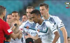 Western Sydney failed to make the most of their numerical advantage in a 0-0 draw with a 10-man Melbourne Victory on Saturday night.