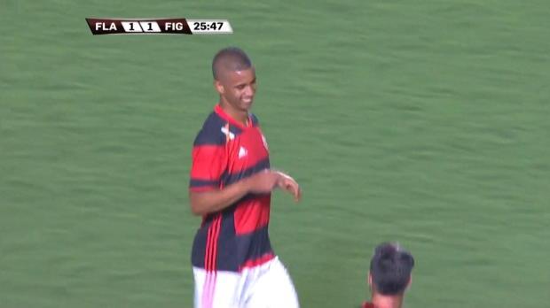 Copa Sudamericana: Ein Roter foppt fünf Weiße