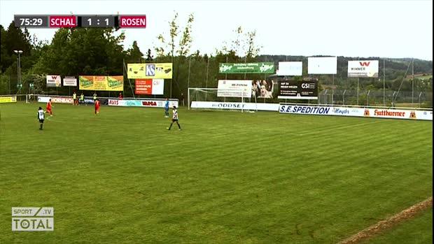 Assist vom Schiri! Kurioses Tor in der Regionalliga