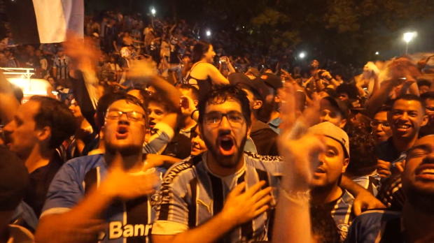 Copa Libertadores: Fan-Wahnsinn in Porto Alegre