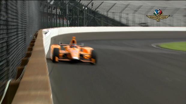 Alonso roza los muros en la clasificación de la Indy