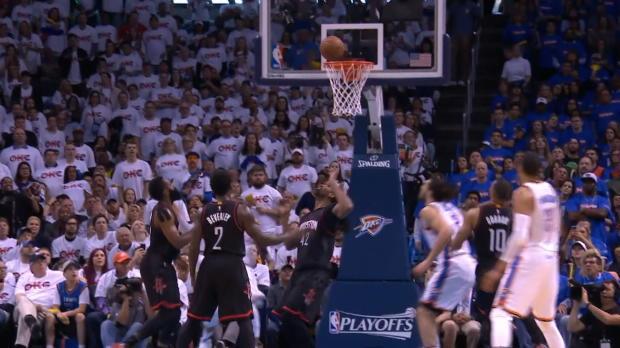 Westbrook lidera a los Thunder con un triple doble