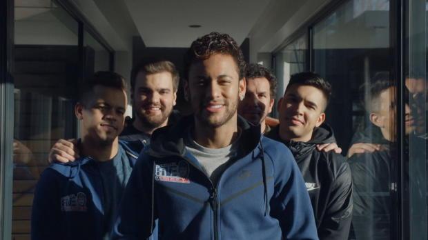 So verbringt Neymar seine Verletzungspause