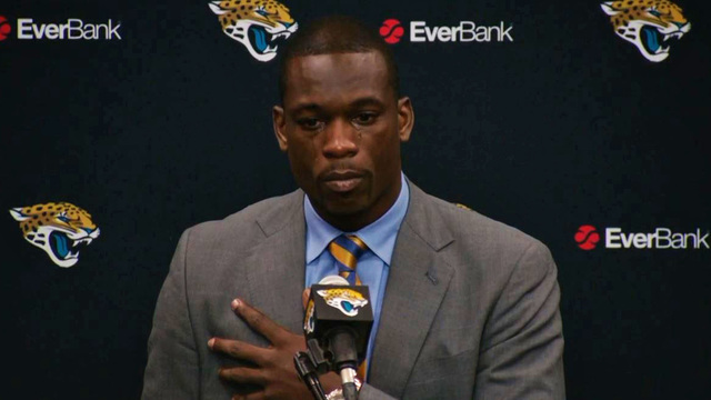 Jacksonville Jaguars linebacker Telvin Smith gets emotional during speech at Paul Posluszny's retirement ceremony