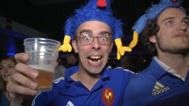 XV de France - Les supporters des Bleus chauds � Londres