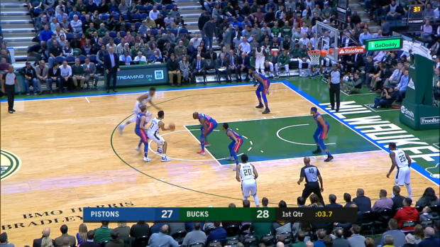 Dunk of the Night: Giannis Antetokounmpo