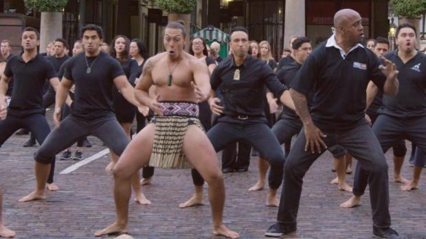 Rugby-WM 2015: Haka in Londoner Fußgängerzone