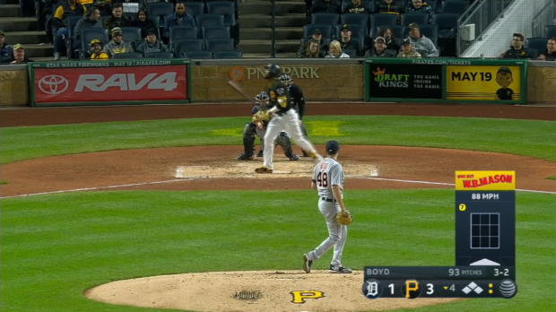 Marte's bases-loaded walk