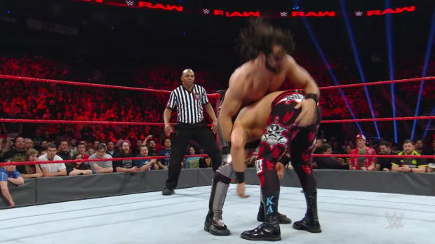 Seth Rollins debuts new face-busting move