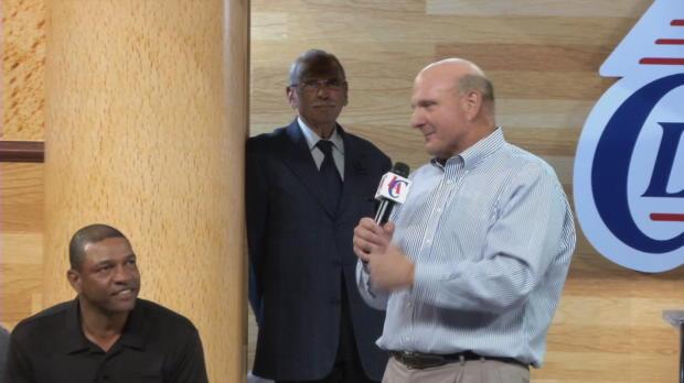 Ballmer, presentado como nuevo due�o de los Clippers
