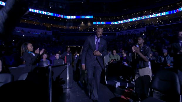 Charlotte Hornets Honor Alonzo Mourning