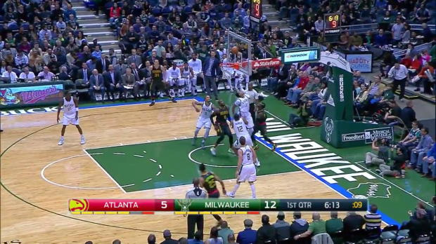 WSC: Dennis Schroder goes for 33 points in win over the Bucks