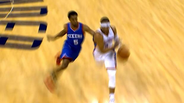 Basket : NBA - Thunder - Le dunk à deux mains monstrueux de Westbrook
