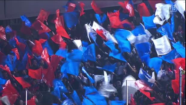 UEFA Champions League: FC Barcelona - Lyon   DAZN Highlights