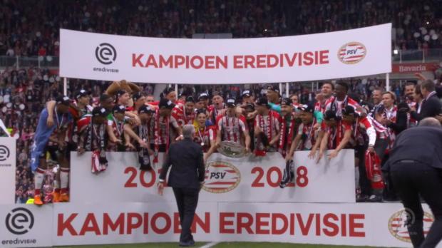 3:0 gegen Ajax! PSV krönt sich zum Meister