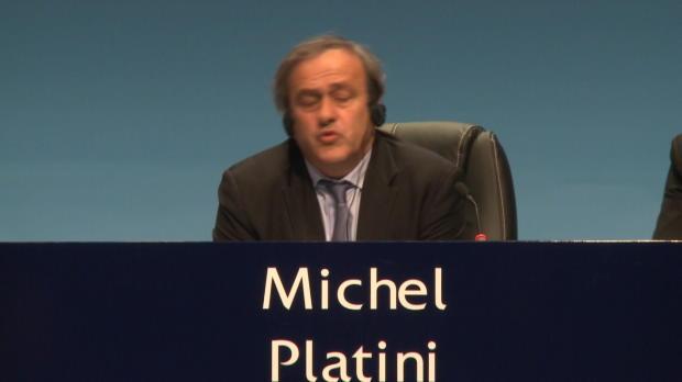 Platini aboga por un aire nuevo en la FIFA