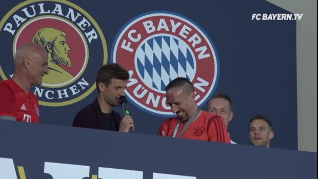 """""""Perfektes Deutsch"""": Müller veräppelt Ribery"""