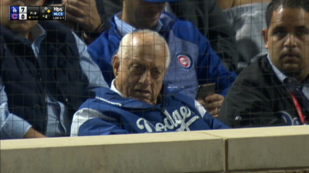 Lasorda attends Game 5 of NLCS