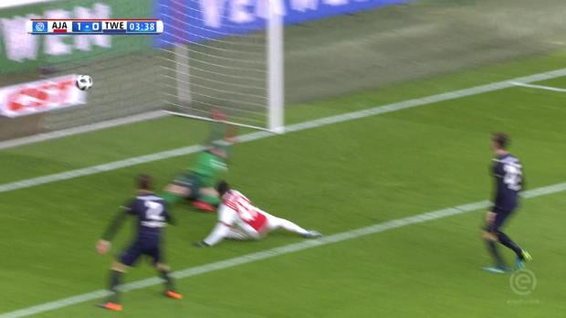 Pays-Bas - Kluivert ouvre le score dès la 3e minute