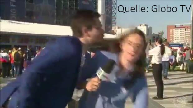Fußball-Reporterin von Fan geküsst