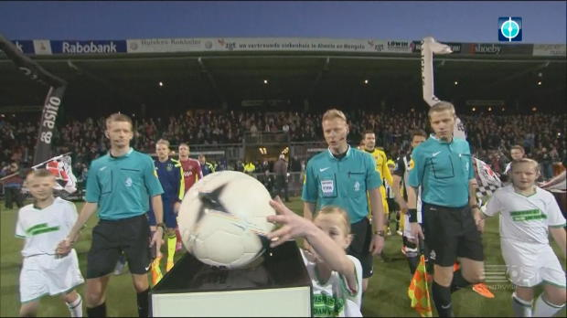 Traumtor macht Ajax-Sieg perfekt