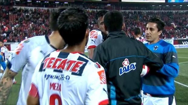 Liga MX: Wie Suarez! Arango beißt Gegner