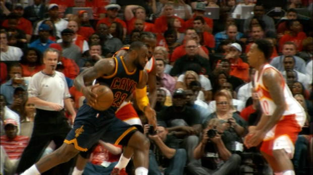 Basket : NBA - Play-offs -  Lebron James détruit les Hawks