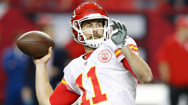 Alex Smith throws deep to Travis Kelce for 35-yard gain