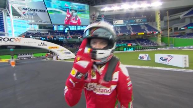 Vettel, spettacolo alla Race of Champions!