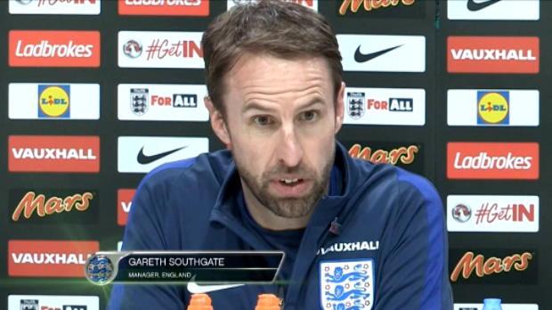 كرة قدم: دولي: سمولينغ يغادر وغيبسون على اعتاب مشاركته الأولى مع إنكلترا