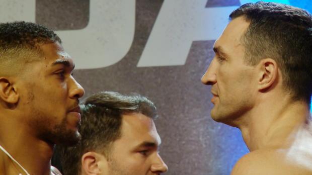 Boxen: Joshua schlägt Klitschko beim Wiegen
